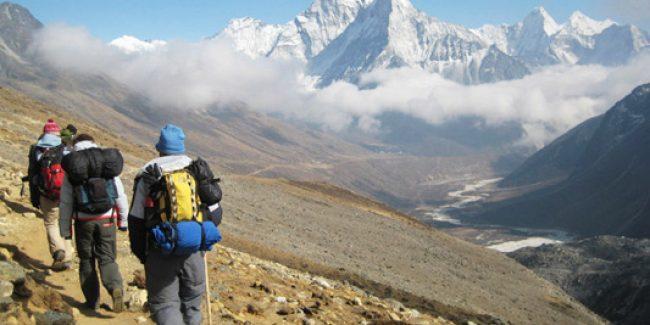 聖母峰基地營山中健行